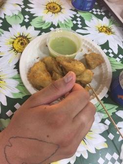 Yumm: Fried banana w/pandan sauce @ Gluttons' Bay in Singapore